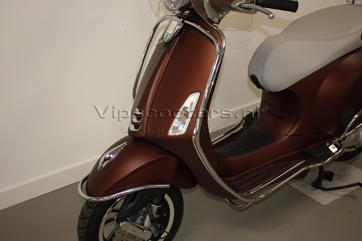 Vespa Primavera 50TH Anniversary Marrone Chrome 2