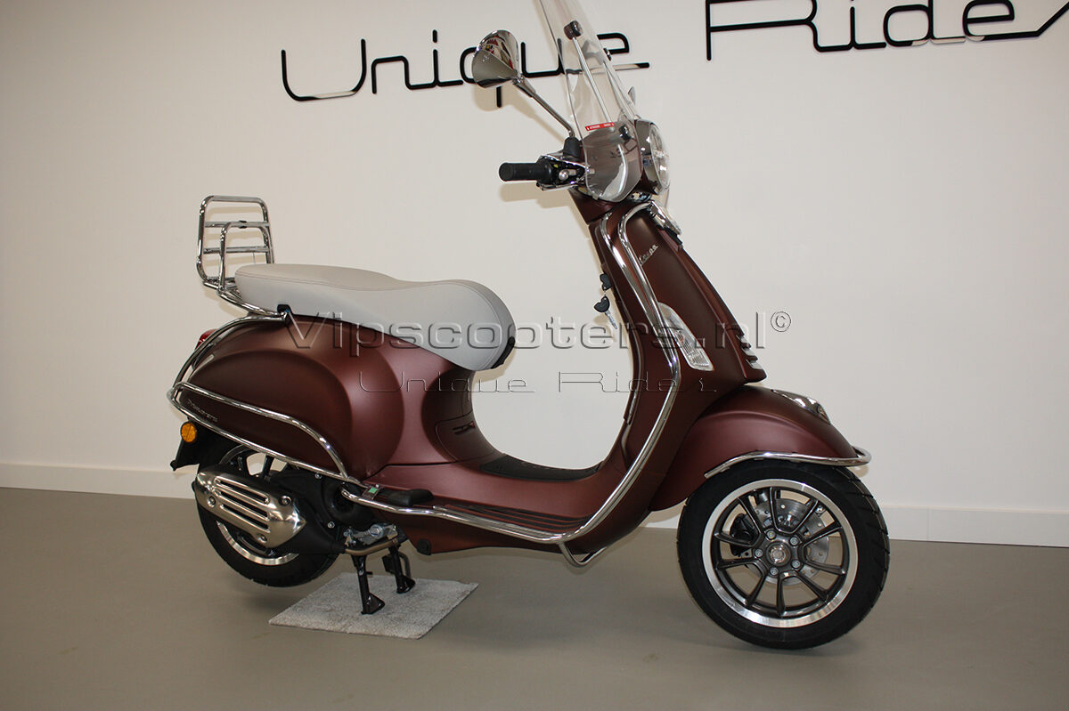 Vespa Primavera 50TH Anniversary Marrone Chrome 9