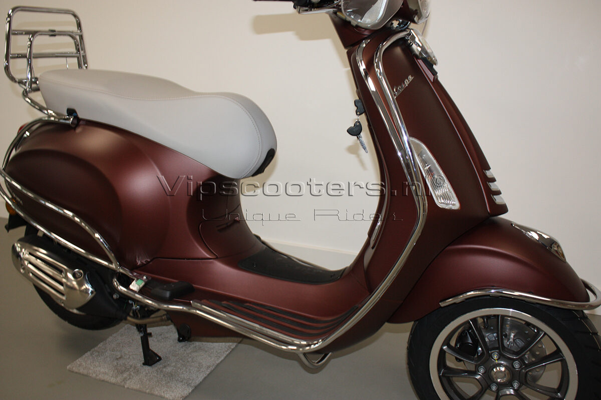 Vespa Primavera 50TH Anniversary Marrone Chrome 11