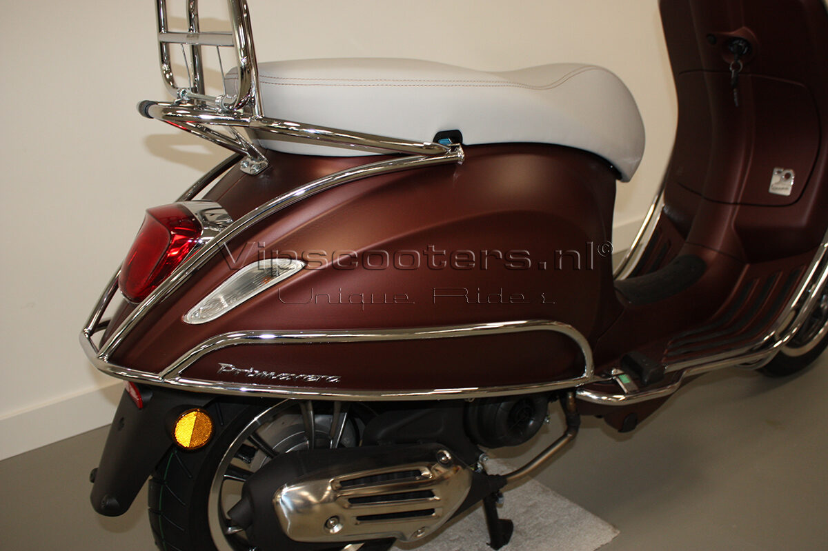 Vespa Primavera 50TH Anniversary Marrone Chrome 12