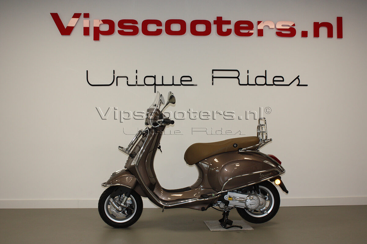 Vespa Primavera Touring Marrone Chrome
