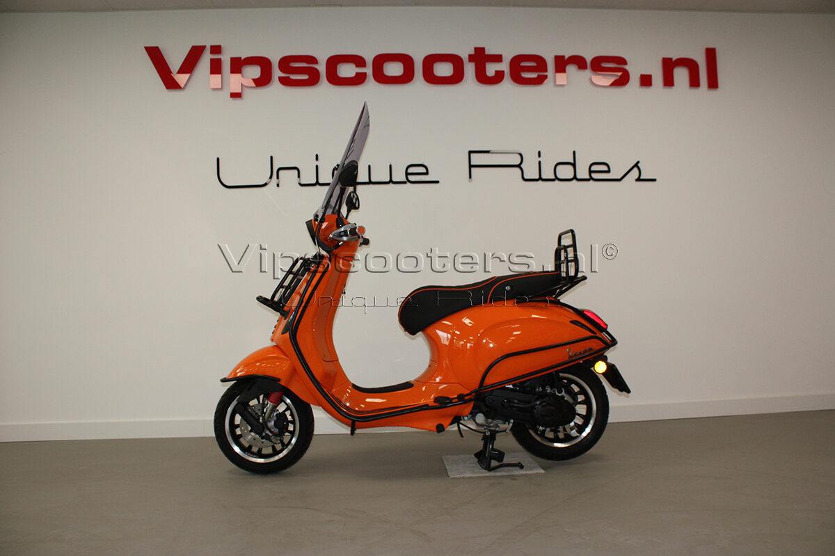 Vespa Sprint Orange Pastello Mat Black