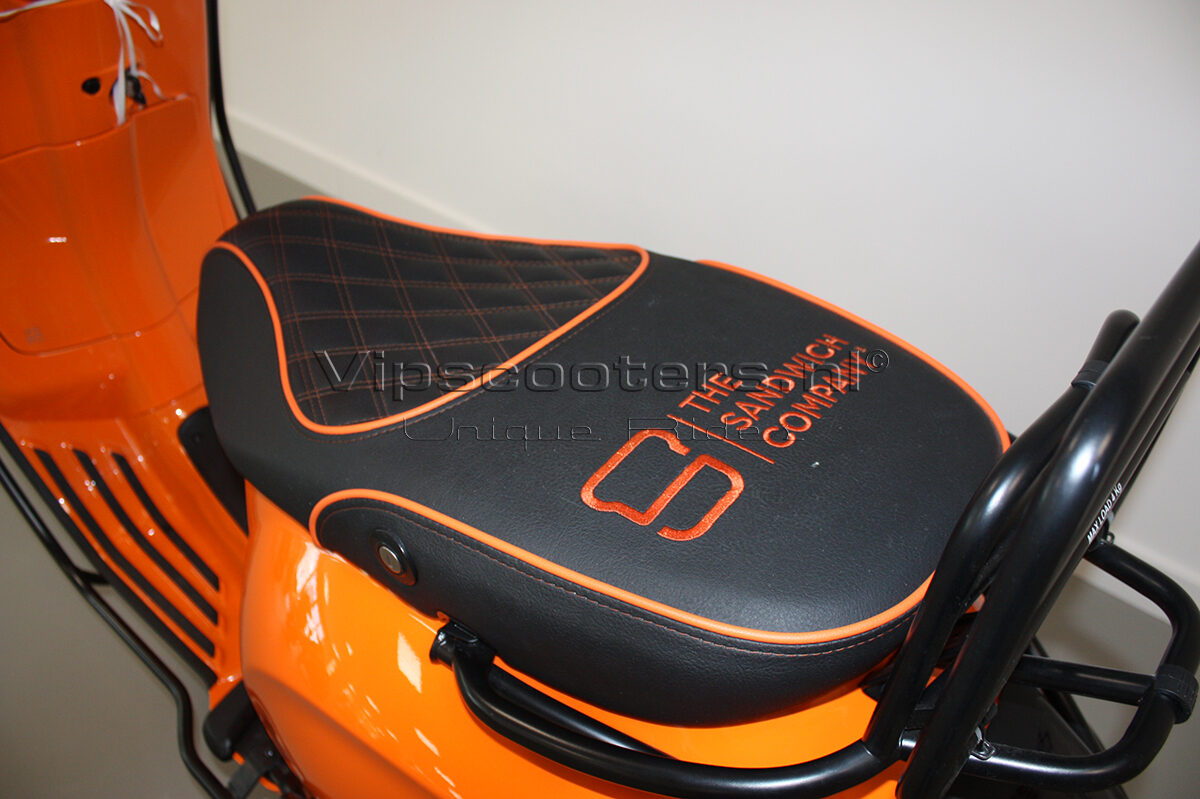 Vespa Sprint Orange Pastello Mat Black 4