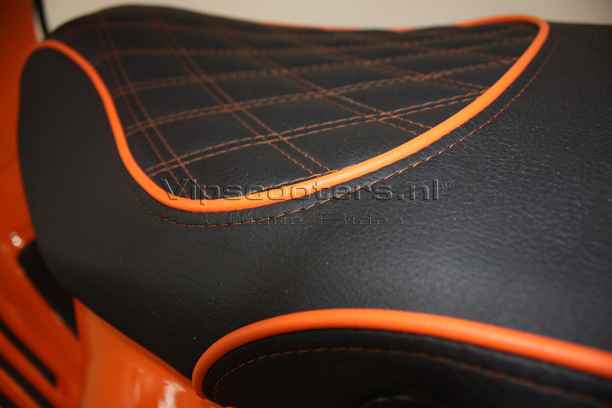 Vespa Sprint Orange Pastello Mat Black 5