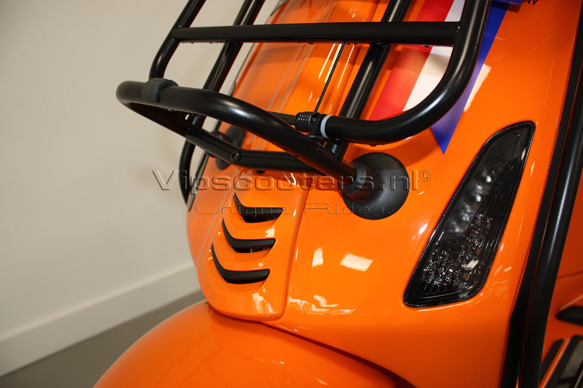 Vespa Sprint Orange Pastello Mat Black 8