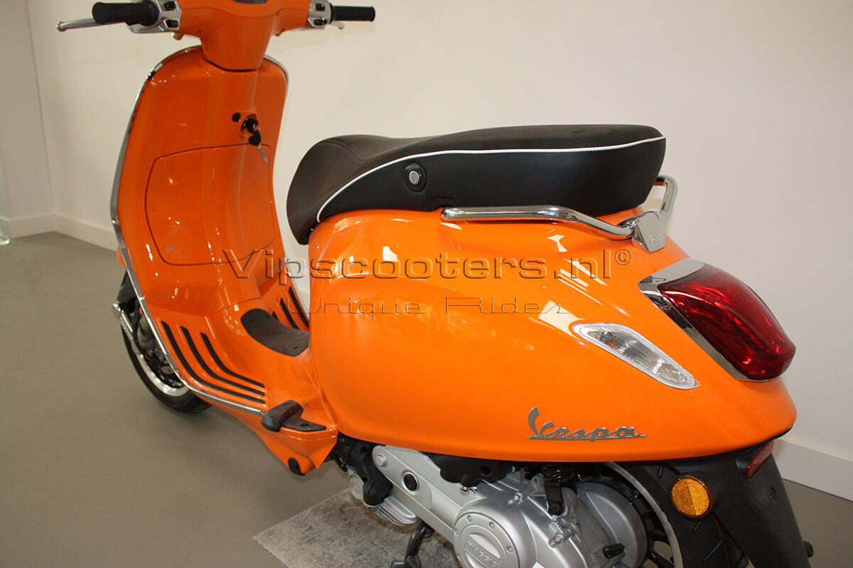 Vespa Sprint Orange Pastello 2