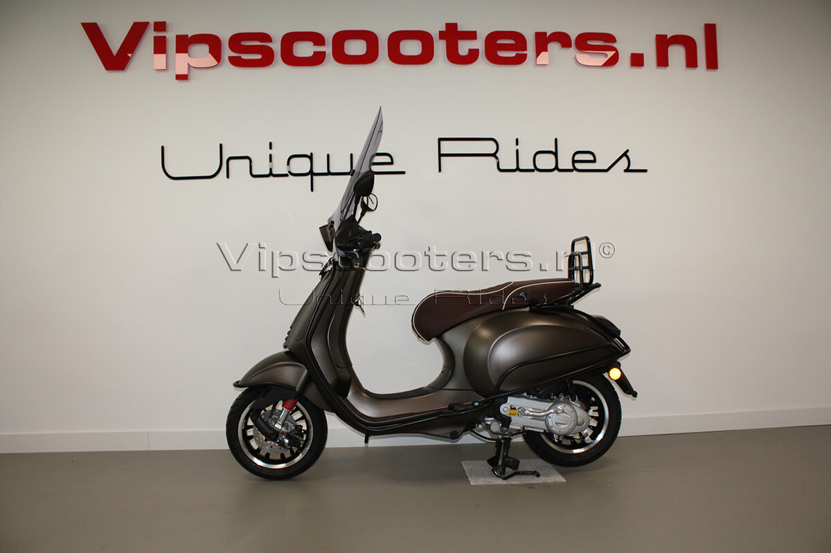 Vespa Sprint Opaco Marrone Metallico Mat Black