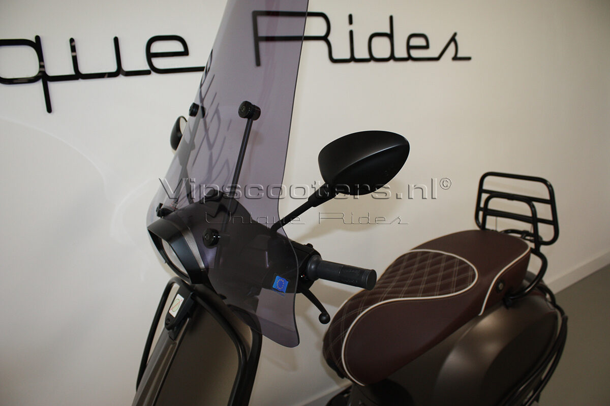 Vespa Sprint Opaco Marrone Metallico Mat Black 5