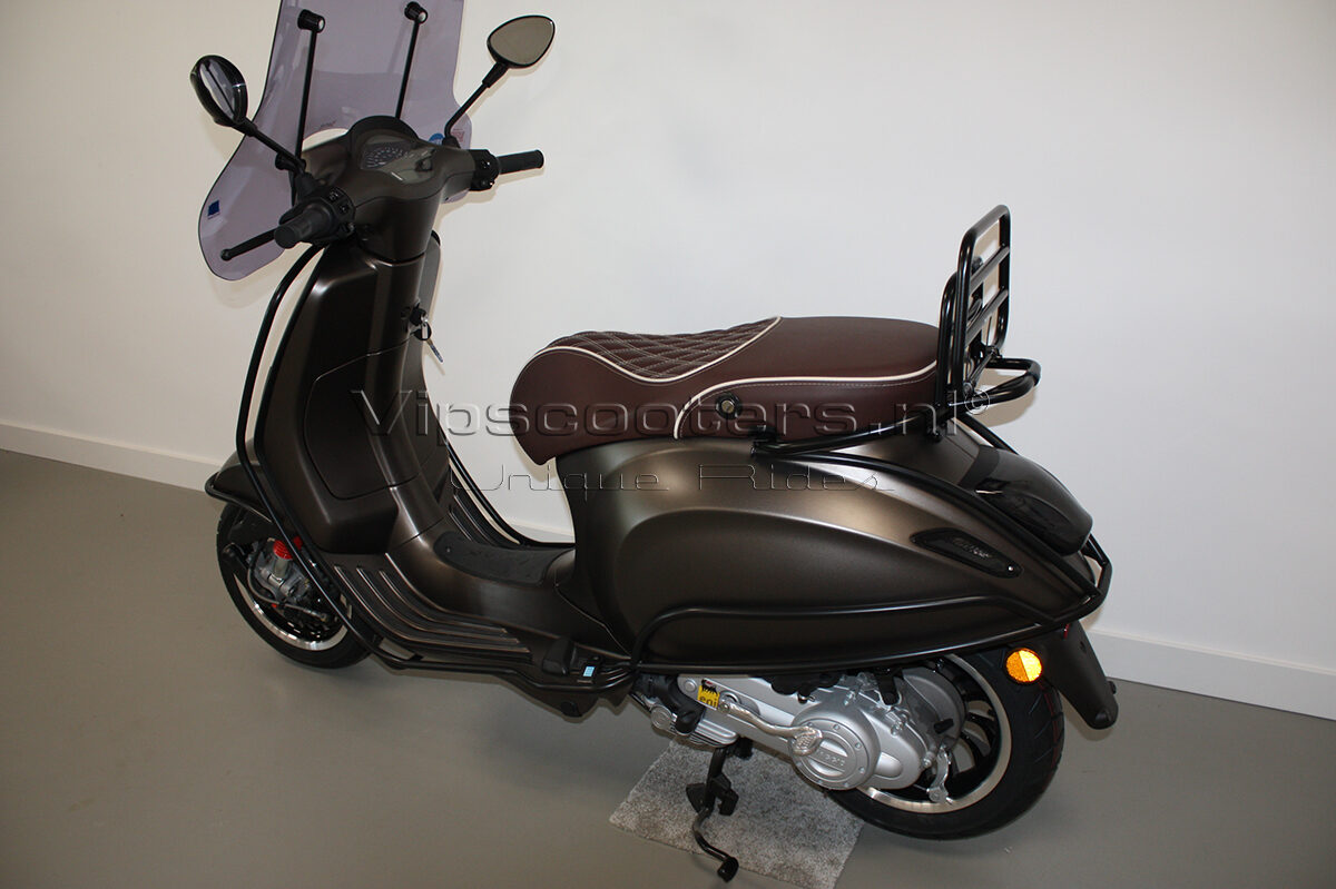Vespa Sprint Opaco Marrone Metallico Mat Black 7