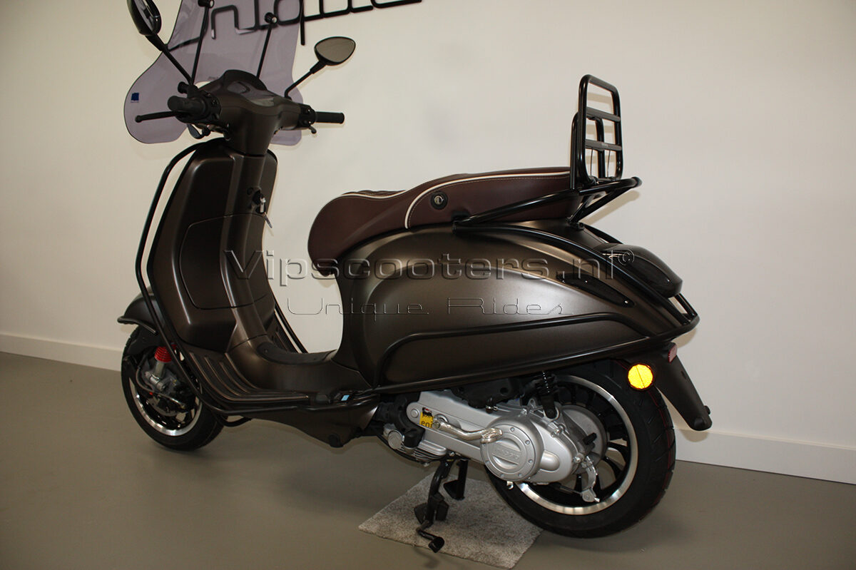 Vespa Sprint Opaco Marrone Metallico Mat Black 8
