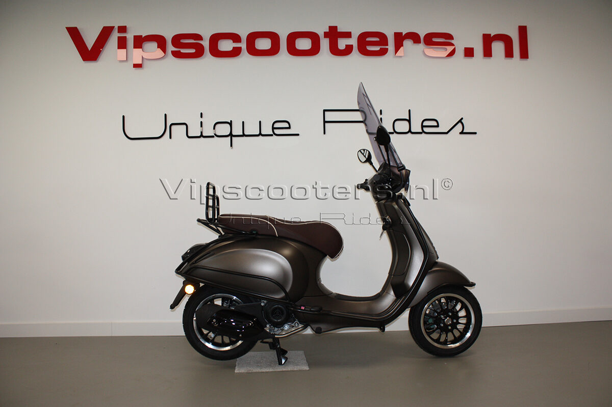Vespa Sprint Opaco Marrone Metallico Mat Black 11