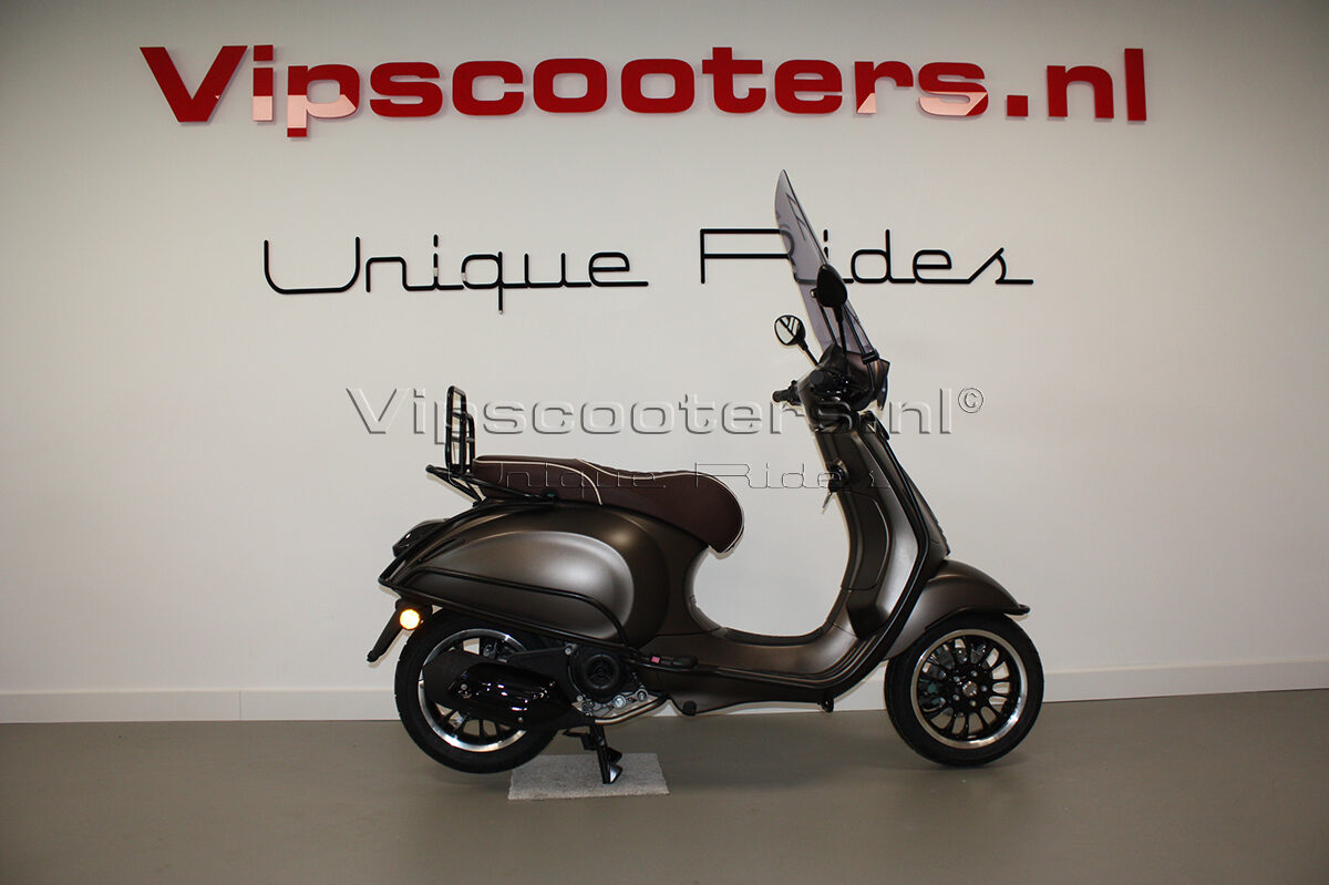 Vespa Sprint Opaco Marrone Metallico Mat Black 12