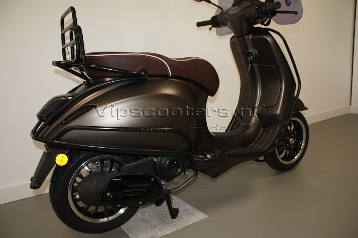 Vespa Sprint Opaco Marrone Metallico Mat Black 13