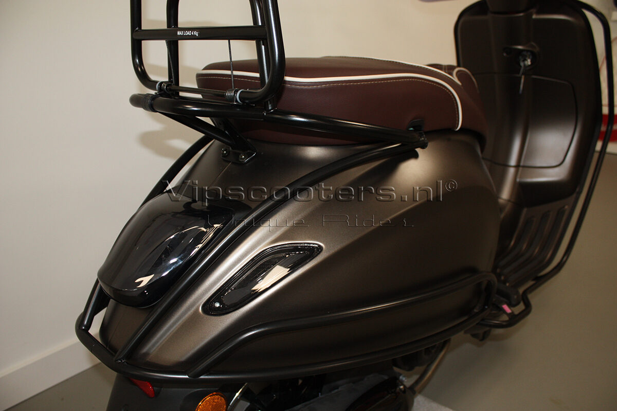 Vespa Sprint Opaco Marrone Metallico Mat Black 15
