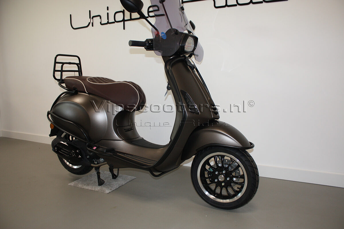 Vespa Sprint Opaco Marrone Metallico Mat Black 17