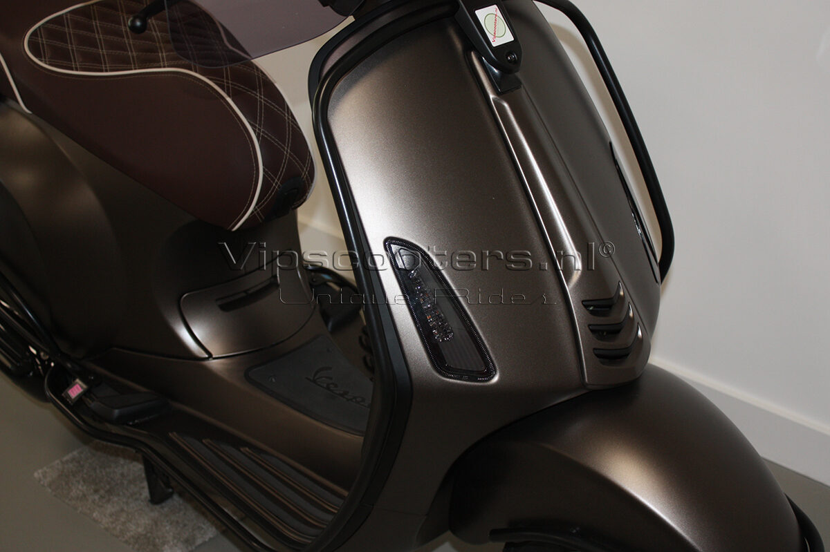 Vespa Sprint Opaco Marrone Metallico Mat Black 18