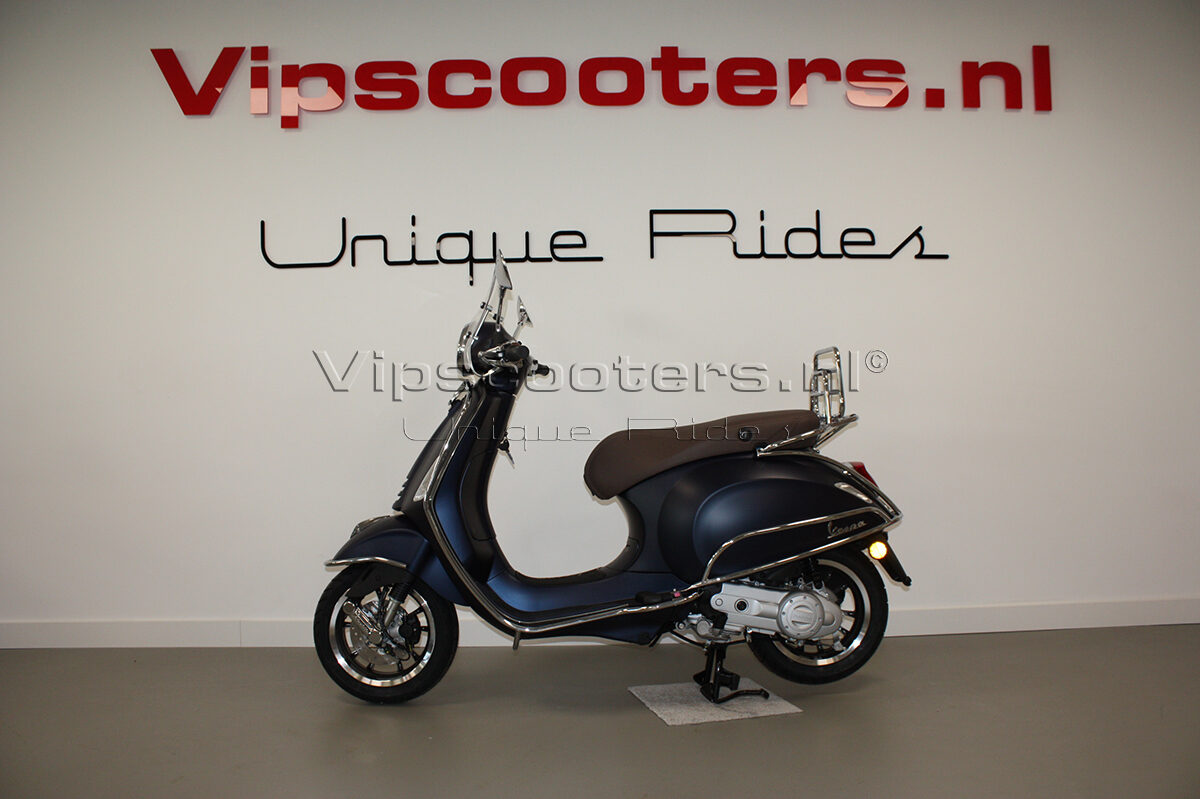 Vespa Primavera Sport Blue Chrome 1