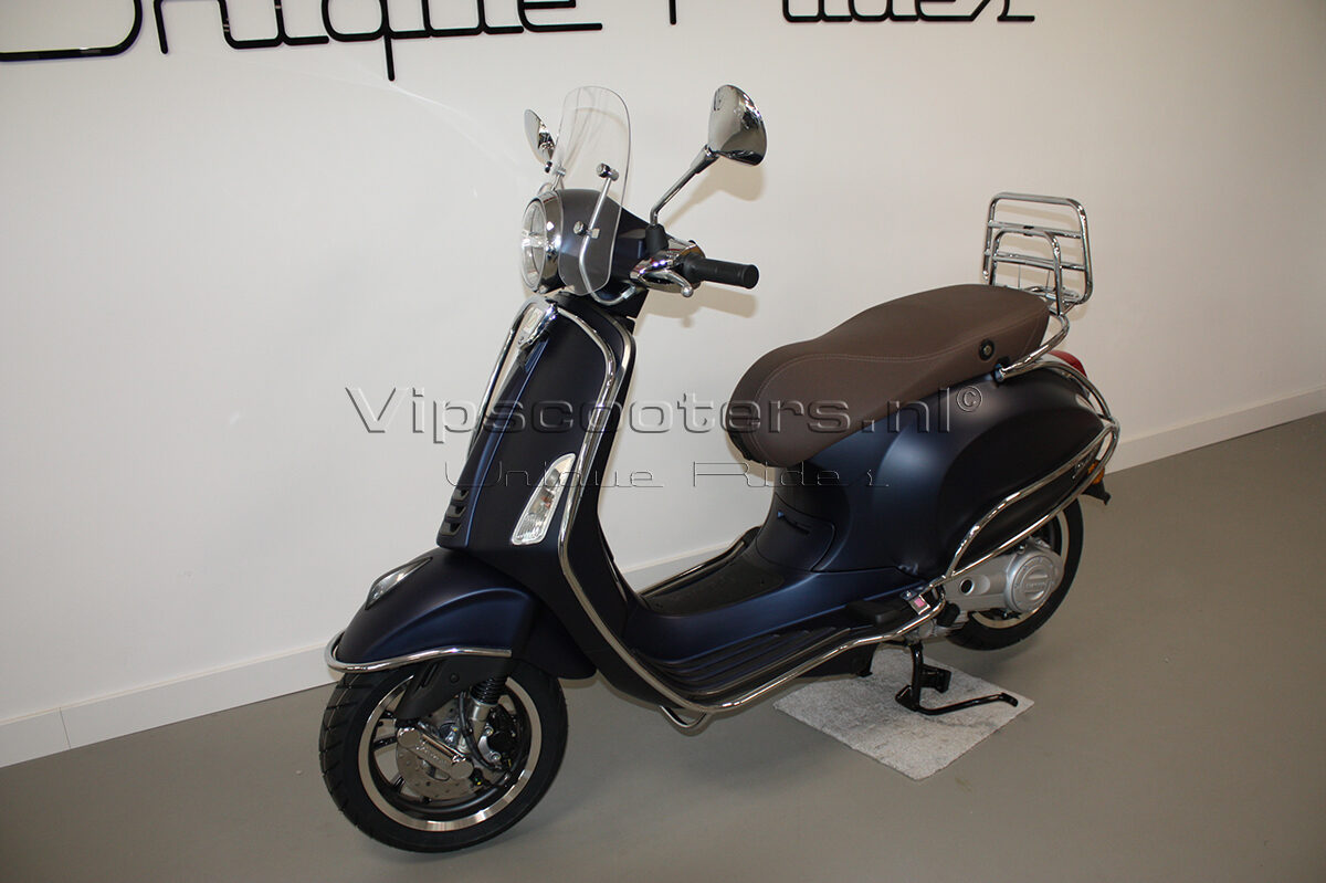 Vespa Primavera Sport Blue Chrome 2