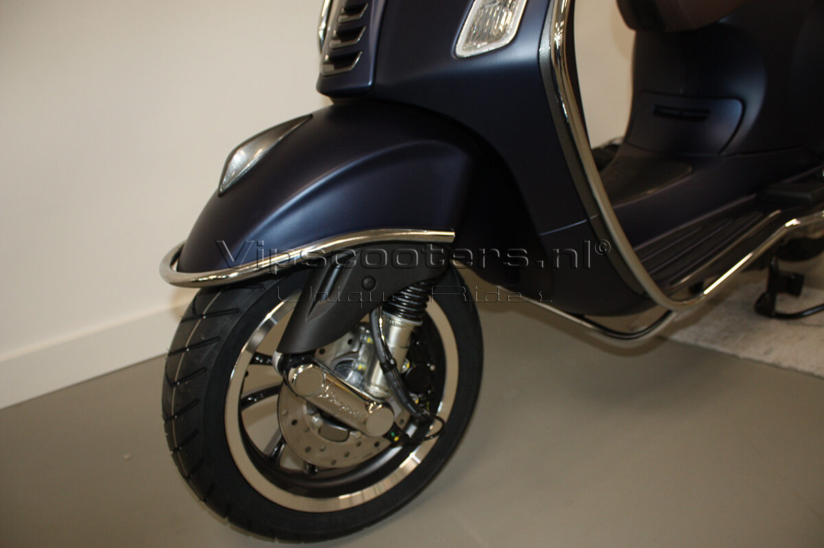Vespa Primavera Sport Blue Chrome 3