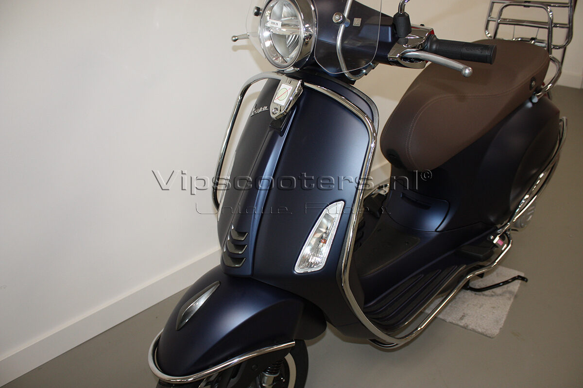 Vespa Primavera Sport Blue Chrome 4