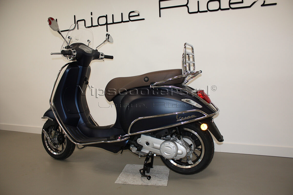Vespa Primavera Sport Blue Chrome 6