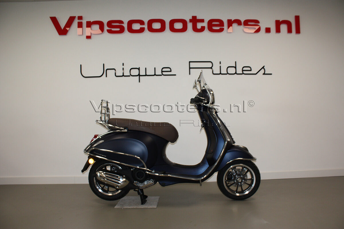 Vespa Primavera Sport Blue Chrome 10