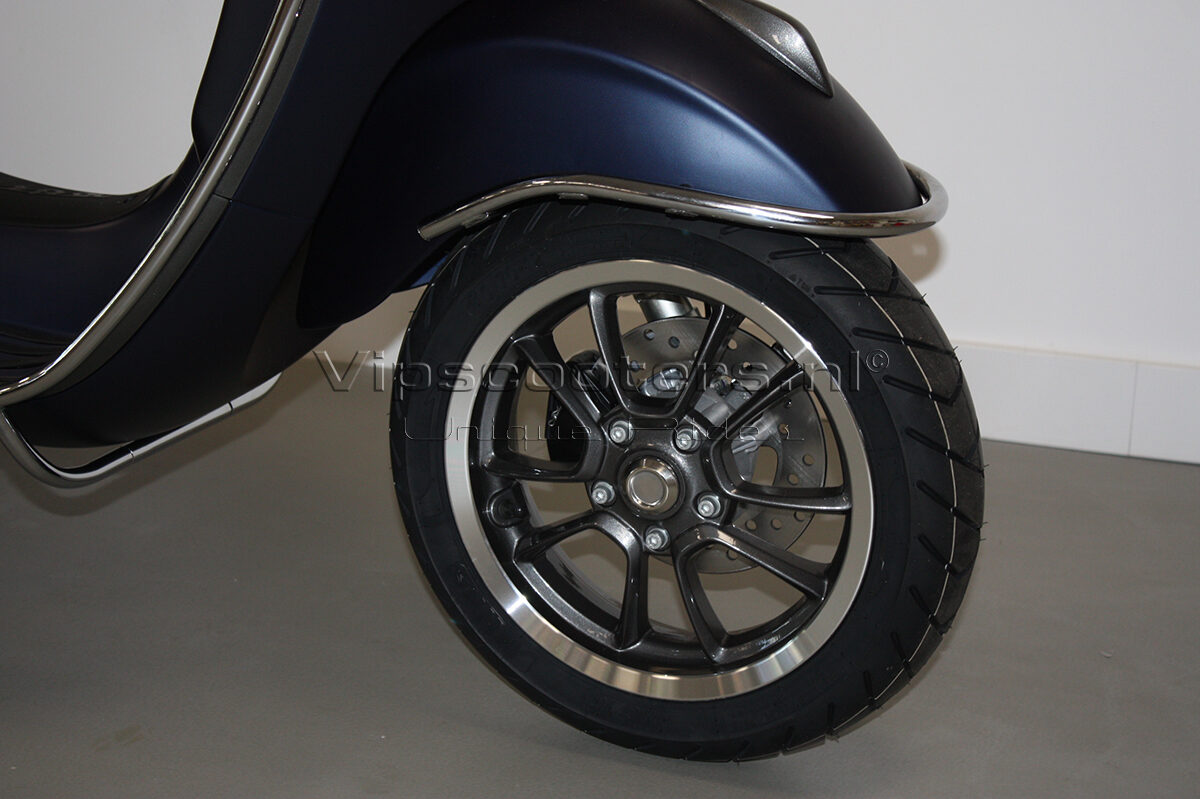 Vespa Primavera Sport Blue Chrome 13