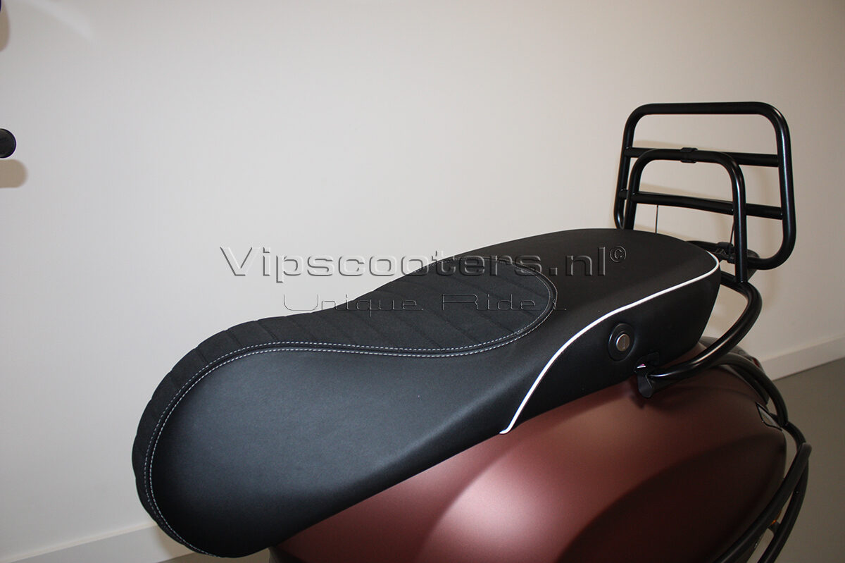 Vespa Primavera 50TH Anniversary Marrone Mat Black 8