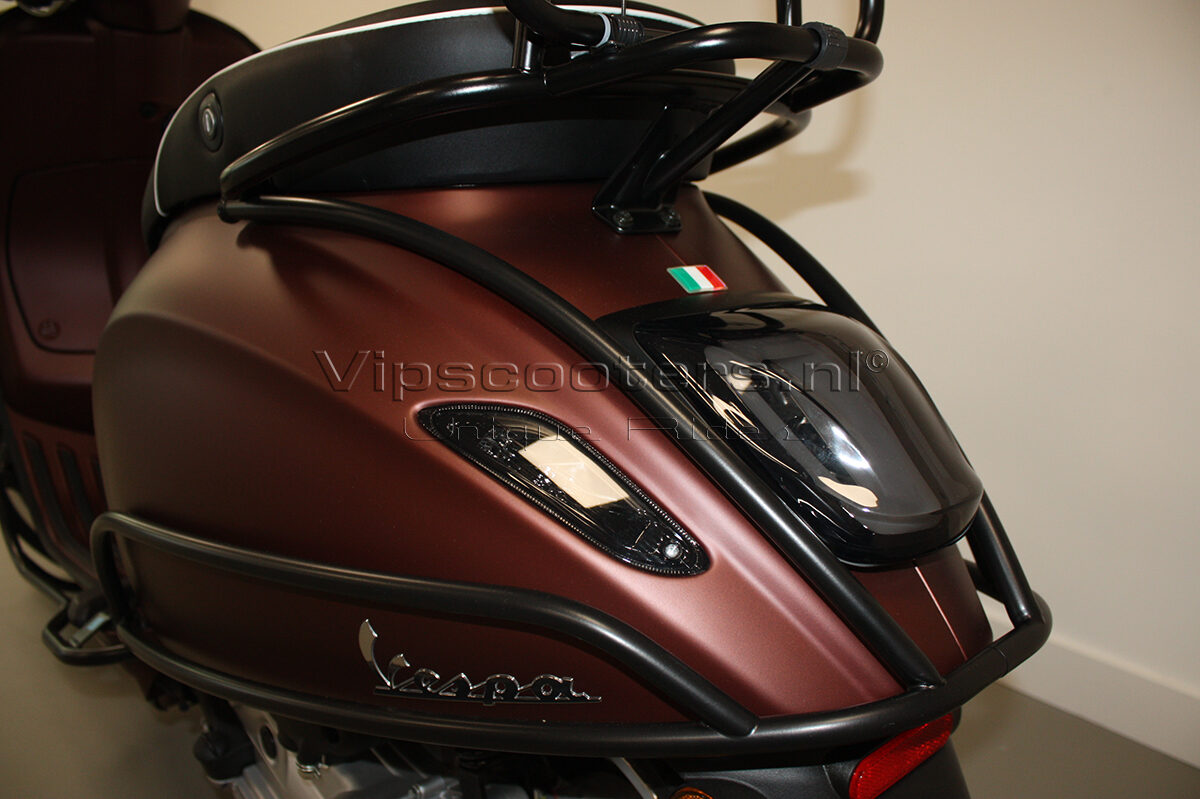 Vespa Primavera 50TH Anniversary Marrone Mat Black 14