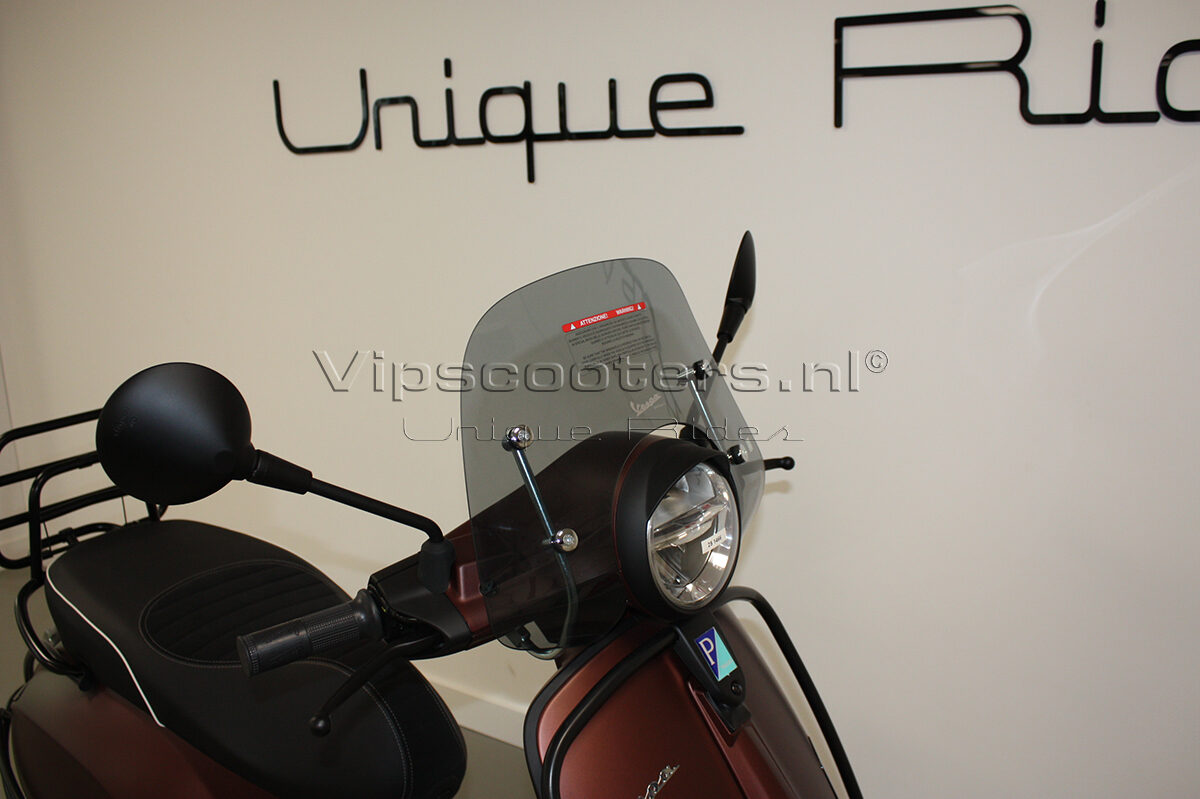 Vespa Primavera 50TH Anniversary Marrone Mat Black 20