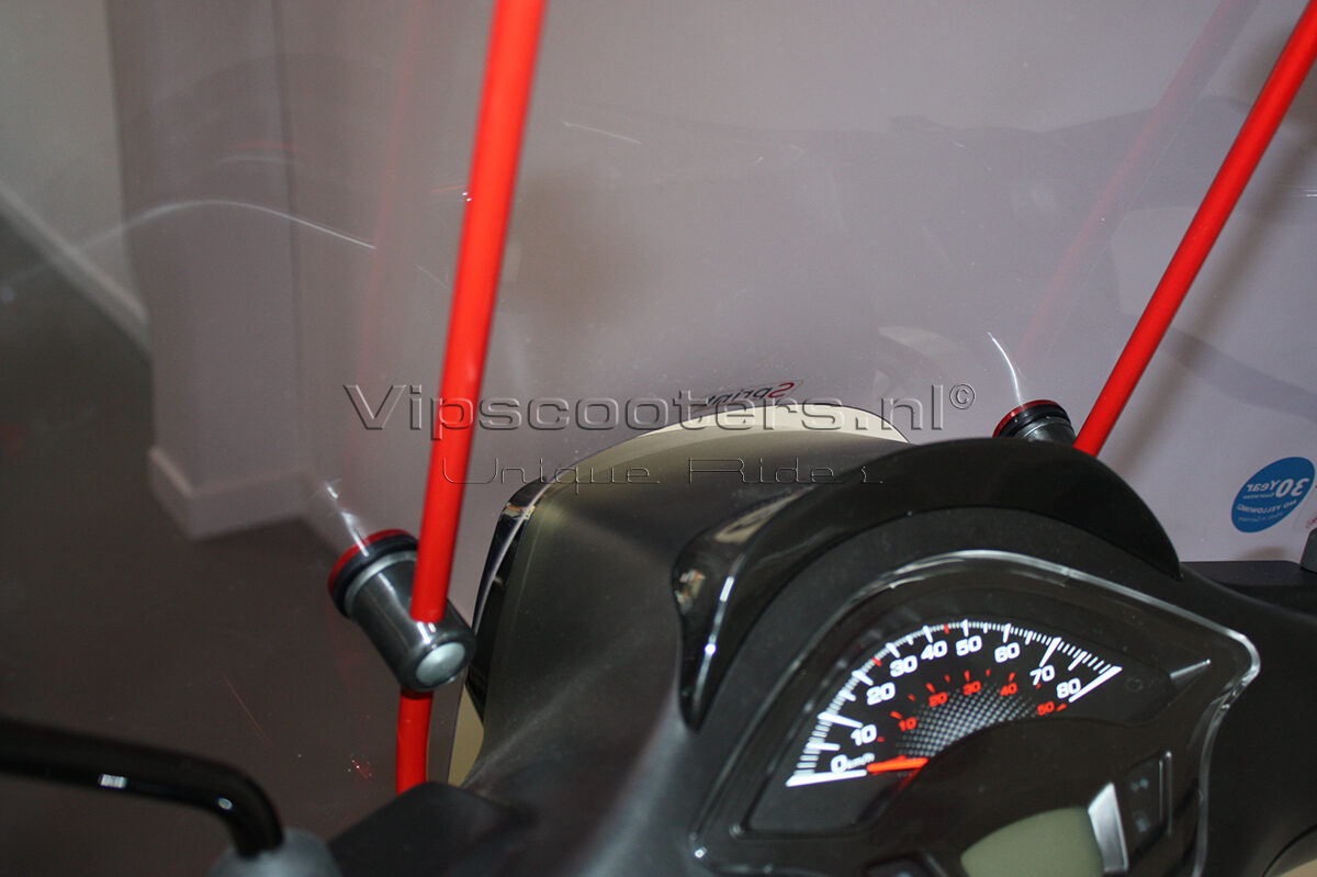Vespa Sprint Notte Glossy Black Red Metallico 18