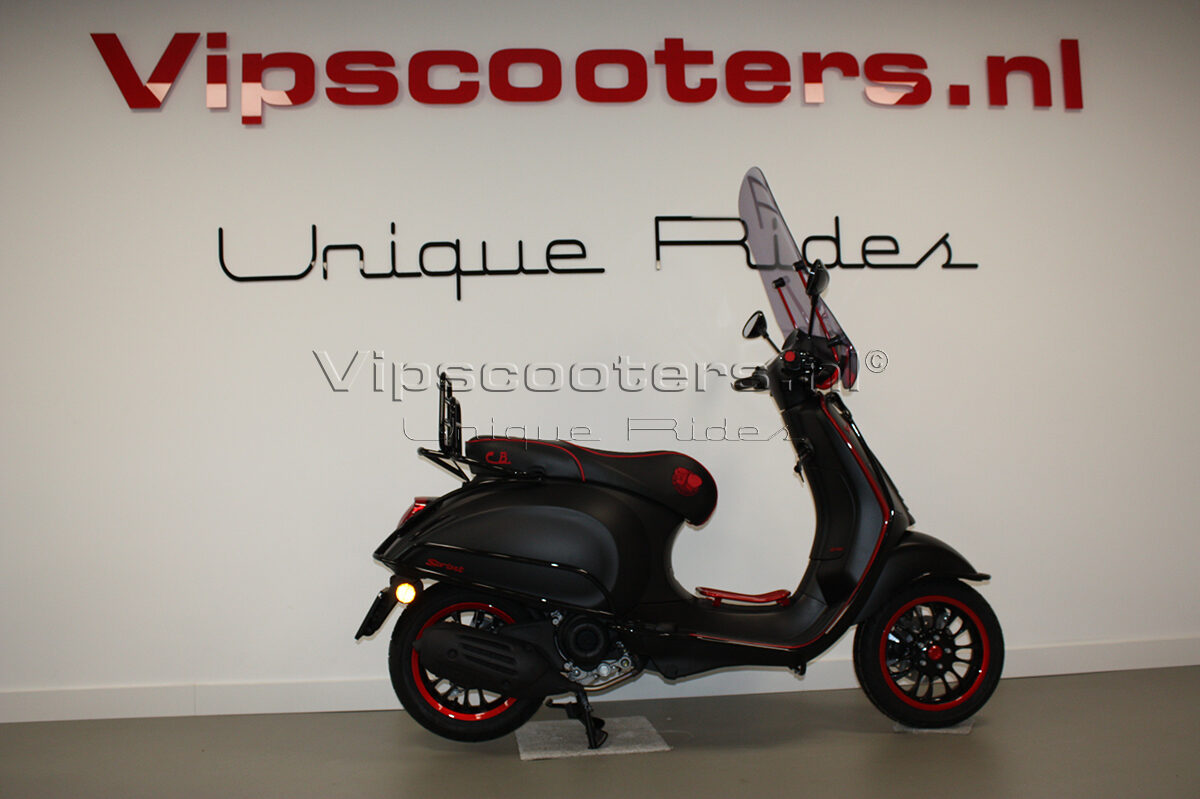 Vespa Sprint Notte Glossy Black Red Metallico 30