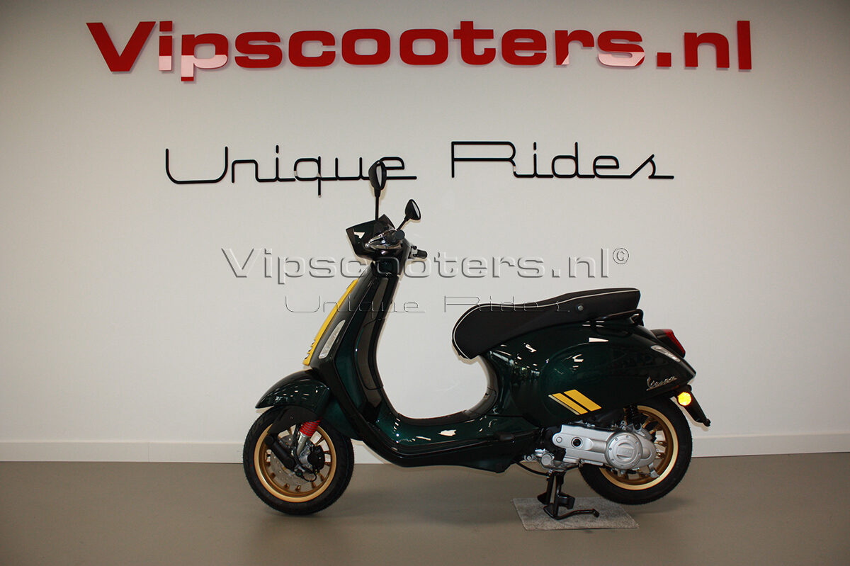Vespa Sprint Racing Sixties Verde