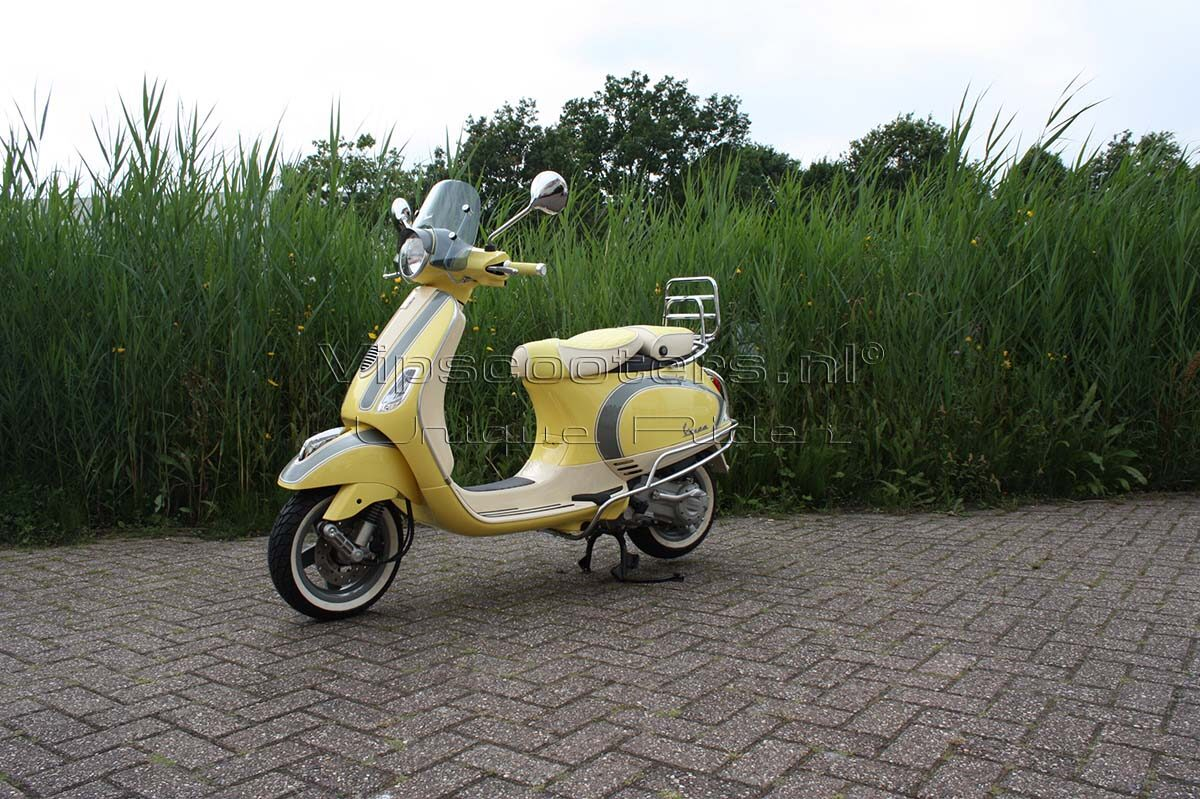 Vespa LX Butter Yellow