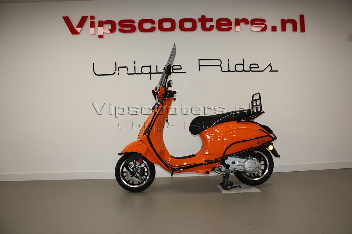 Vespa Sprint Orange Pastello Glossy Black