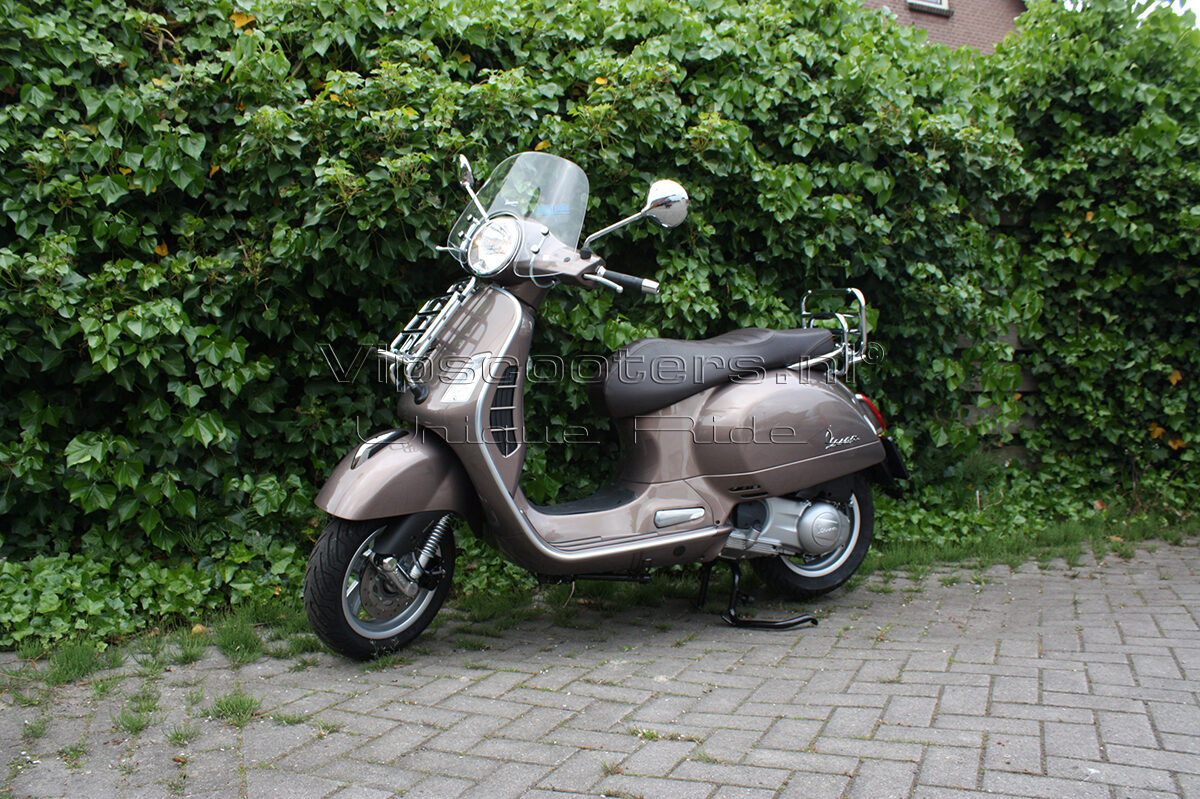Vespa GTS Touring  Marrone